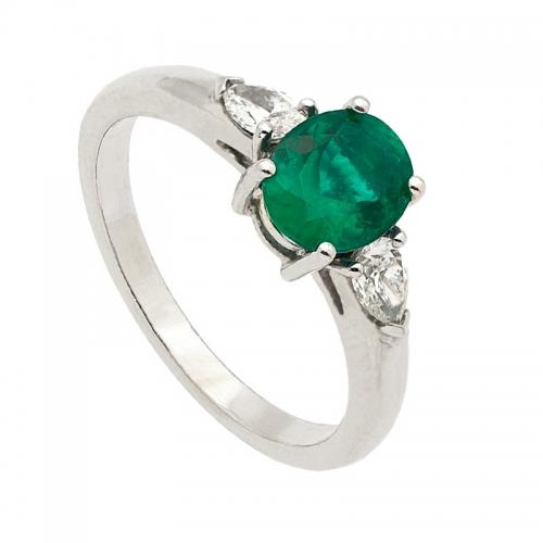 Sortija de oro blanco, esmeralda y diamantes  - 1